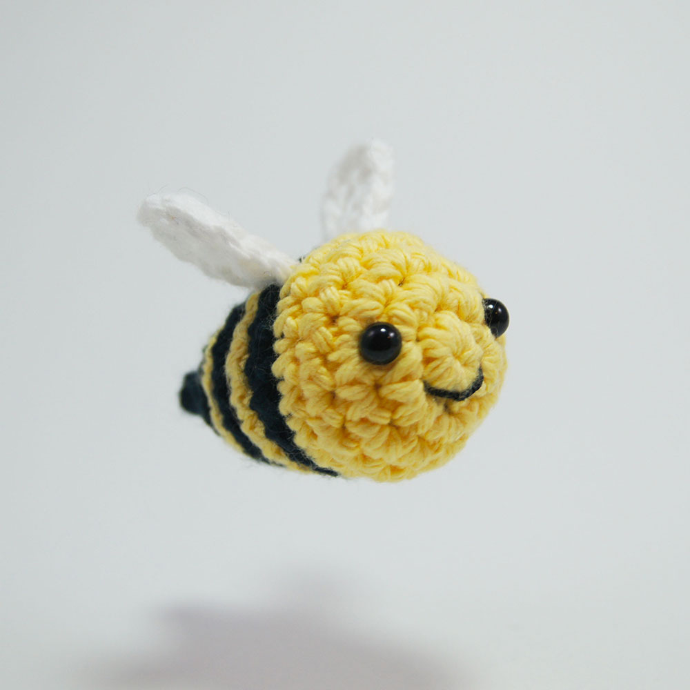 Ravelry: Amigurumi Bee Girl pattern by Tiny Mini Design | 1000x1000
