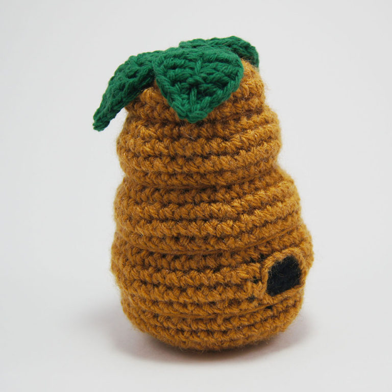 crocheted bee hive amigurumi