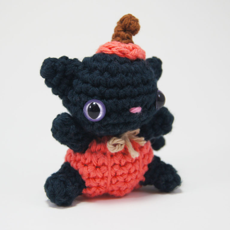 crocheted pumpkin cat_5